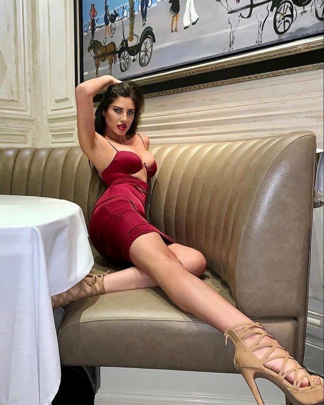 Модель Playboy Дора Родригес