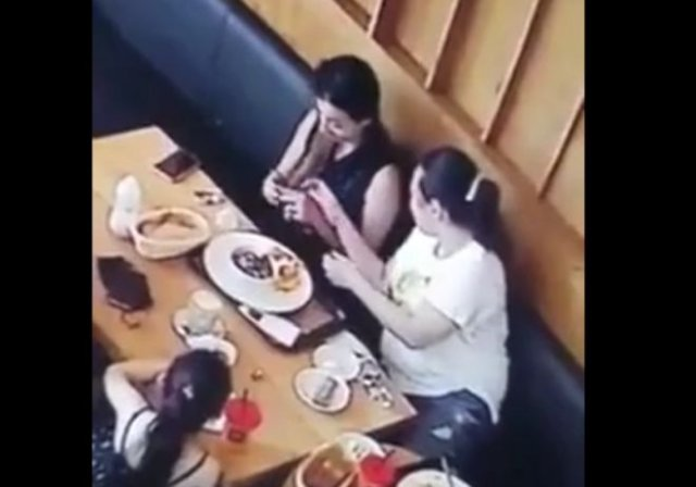 Лайфхак: как не платить за обед в кафе?