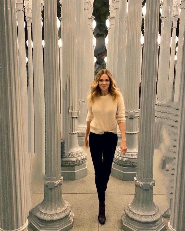 Как выглядит Лиза (Ванесса Энжелс) из сериала «Чудеса науки»