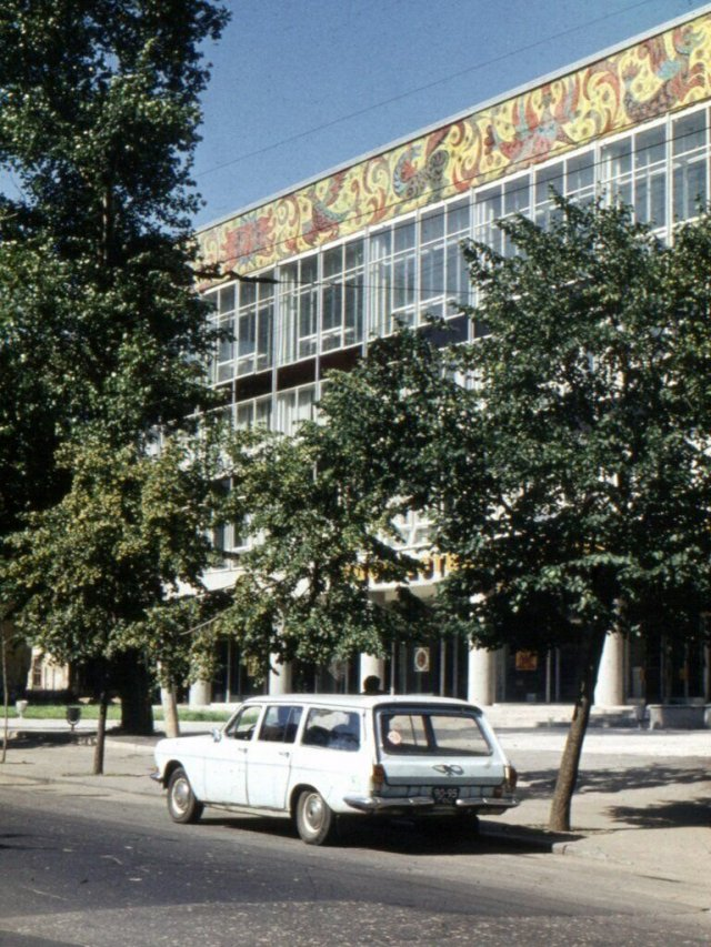 Прогулка по улицам Советского Союза