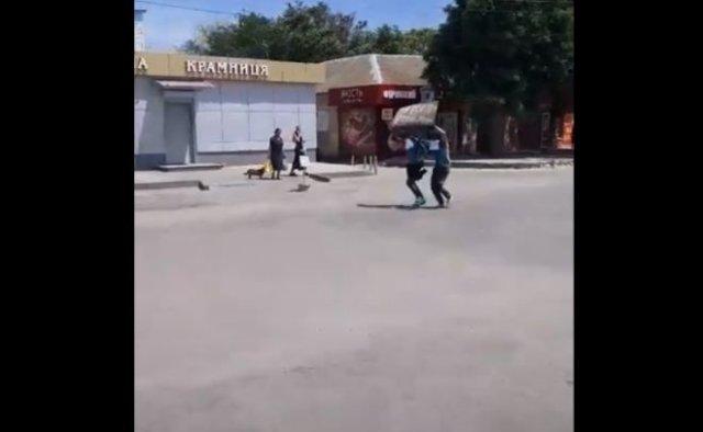 В Акимовке над грабителями, обворовывающими стариков, местные жители устроили самосуд