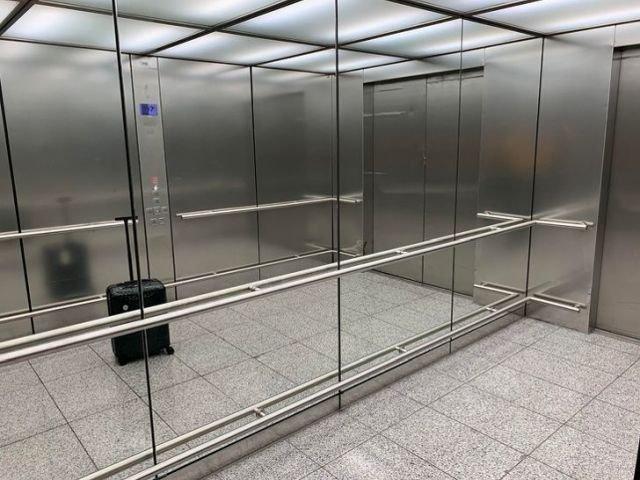 В Гонконге некоторые лифты больше, чем квартиры