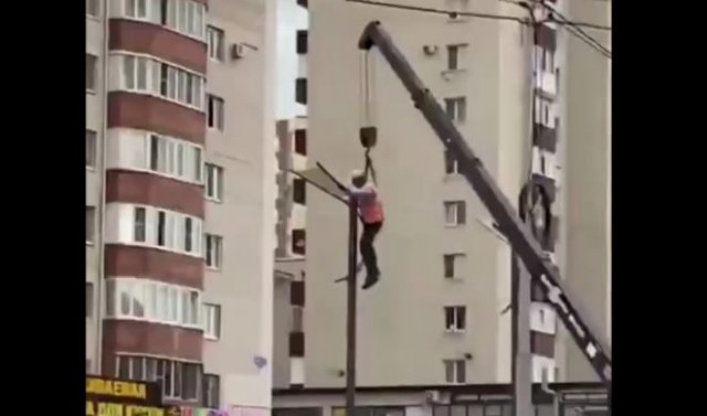 Интересная идея для ремонта уличных фонарей