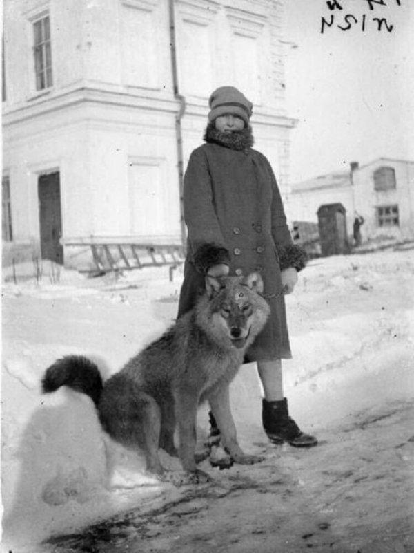 Сотрудница Государственного Западно-Сибирского краевого музея А.П. Левашова