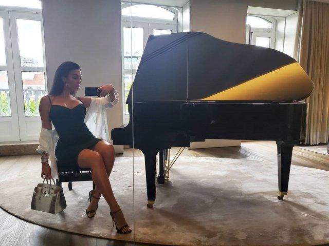 Джорджина Родригес: горячая жена Криштиану Роналду