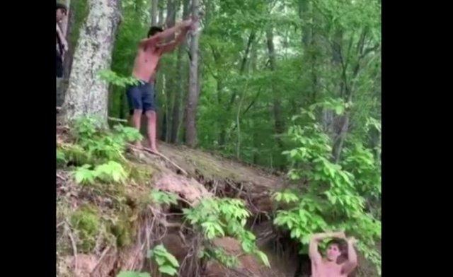 Не стоит стоять под прыгающим человеком