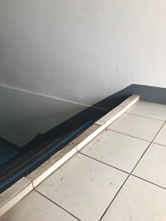 Лестницы, на которых черт ногу сломит