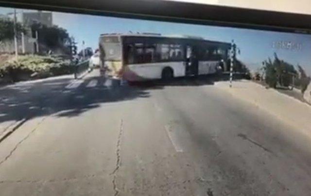 Когда водитель автобуса на минутку отошел