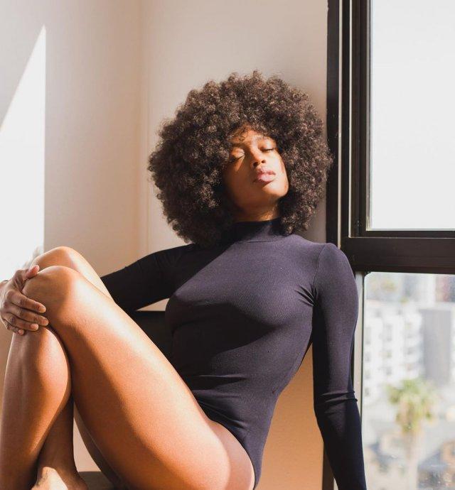 Посмотрите на новую «Бэтвумен»: темнокожую бисексуальную Джависию Лесли