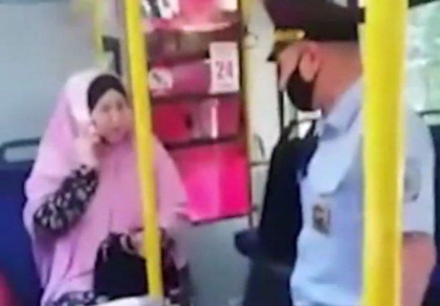 Мусульманка из Новосибирска устроила истерику из-за того, что ее попросили надеть маску