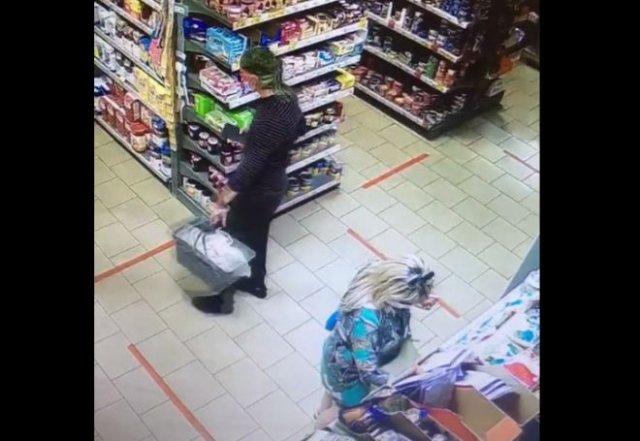 В Подмосковье парень ходил по супермаркетам и фотографировал у женщин под юбками