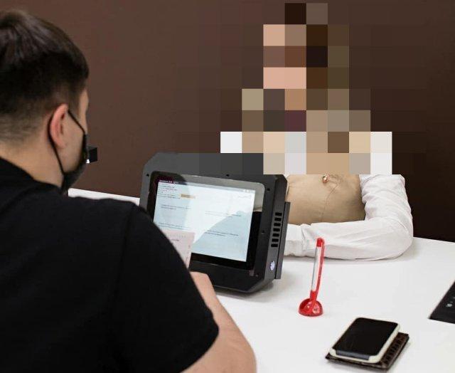 В пермском МФЦ появился необычный работник - робота-андроид от Promobot