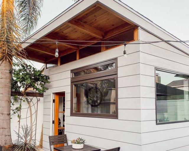 53-летний мужчина из Калифорнии построил на заднем дворе кофейню