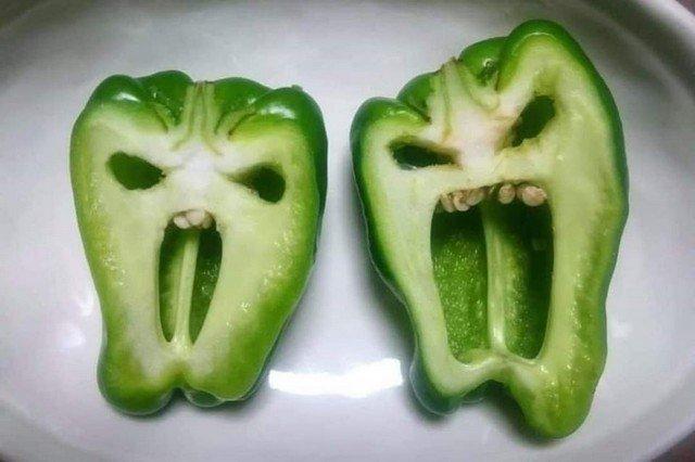 """Новый флешмоб - найти у овоща """"лицо"""" и сделать из него мем"""