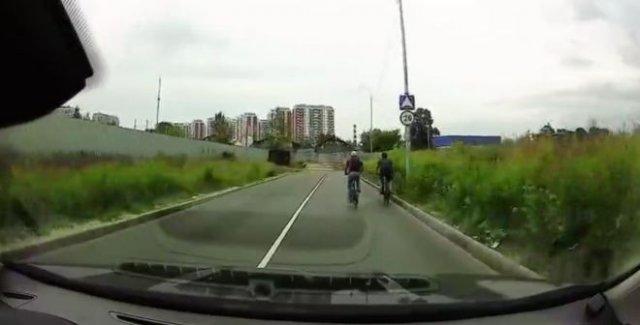 Неудачный дрифт на велосипедах