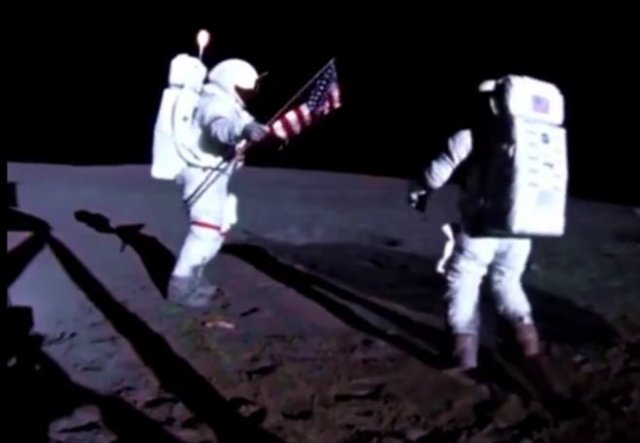 Видео момента установки вымпела США на Луне обработали и показали при 24 кадрах в секунду