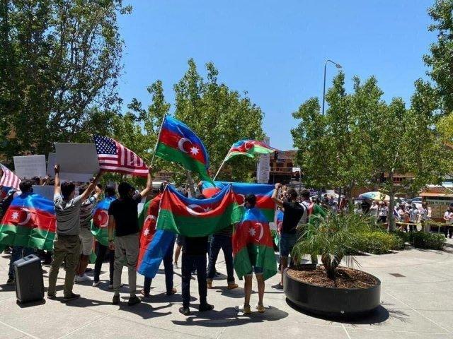 В Лос-Анджелесе армяне подрались с азербайджанцами за Новый Карабах