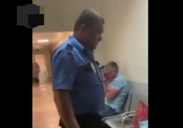 В одной из больниц Краснодара пьяный охранник угрожал физической расправой пациенту