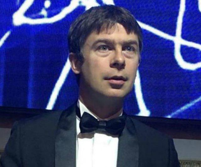 Игрока «Что? Где? Когда?» Михаила Скипского начали обвинять в домогательствах к школьницам