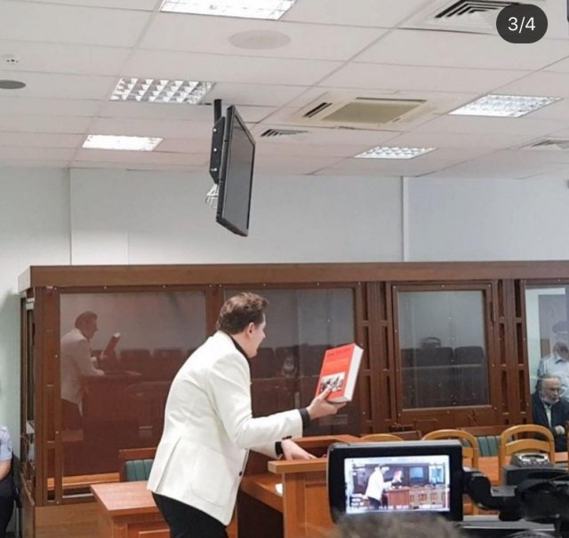 Евгений Понасенков и доцент Олег Соколов встретились в суде