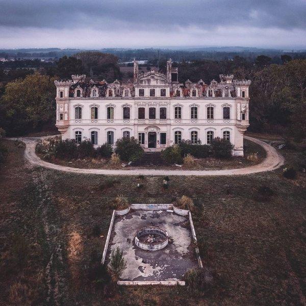 Атмосферные снимки заброшенных локаций от немецкого фотографа Маттиаса Хакера