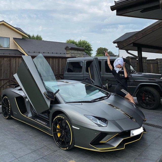 Настя Ивлеева купила машину за 25 миллионов рублей