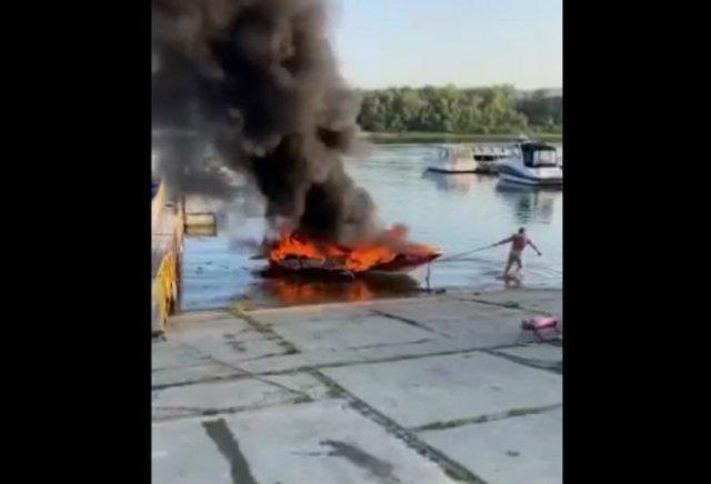 Надежда умирает последней: в Тольятти мужчина до конца не мог поверить, что его лодке конец