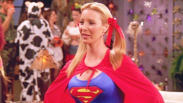 """Посмотрите, как выглядит Лиза Кудроу - Фиби из сериала """"Друзья"""""""