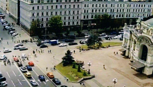 В Киеве в БЦ «Леонардо» неизвестный захватил заложников в офисе банка