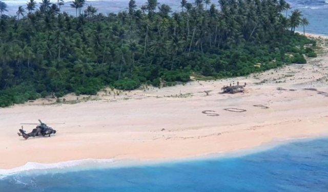 Три моряка были найдены на необитаемом острове благодаря огромной надписи SOS