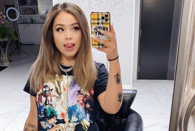 Косплеерша Альва Джей ищет себе парня через социальные сети