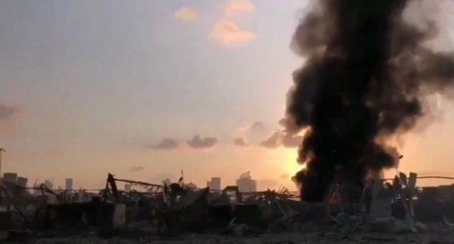 Последствия взрыва в порту Бейрута - кадры с улиц и из зданий