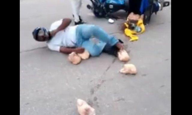 Скейтборд, мотоцикл и курицы: видео с неожиданным финалом