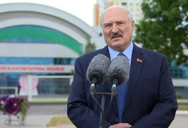 Александр Лукашенко обвинил Европу в митингах