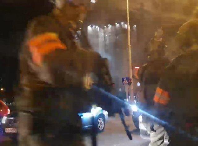Избиения граждан, массовые протесты, стычки с милицией -  митинги в Белоруссии