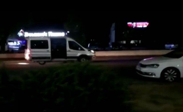 Силовики выстрелили в человека, который просто шел по улице