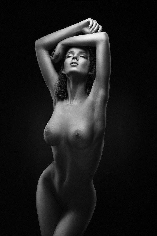 Пятничные, черно-белые, фото девушек.
