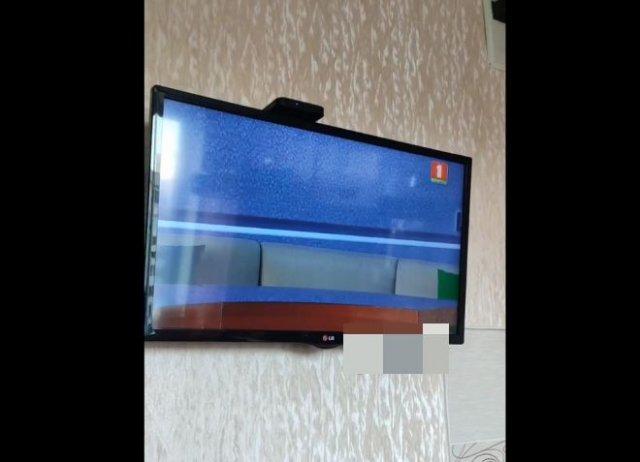 Из-за отсутствия ведущих федеральному телеканалу Белоруссии приходится транслировать старые видео