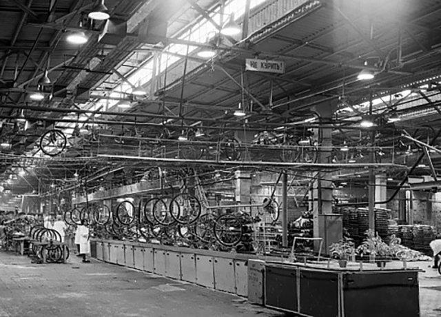 Советские заводы, на которых держалась вся промышленность СССР