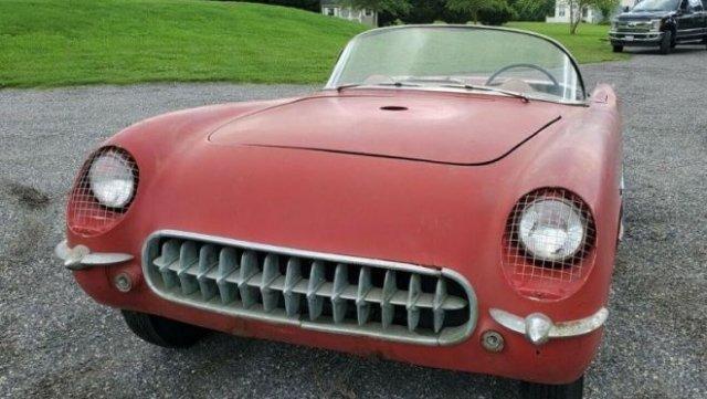 Как выглядит Chevrolet Corvette C1, простоявший в сарае 50 лет?