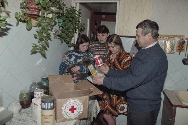 Гуманитарная помощь из США, Россия, 90-е.