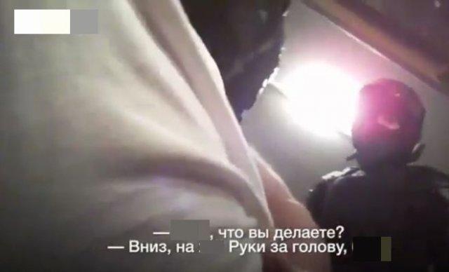 Вот так белорусские силовики обращаются с задержанными в автозаках