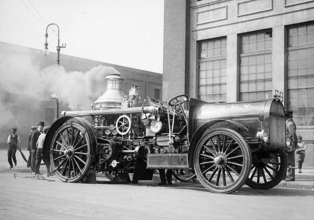 Пожарная машина Нью-Йорка, начало XX века.