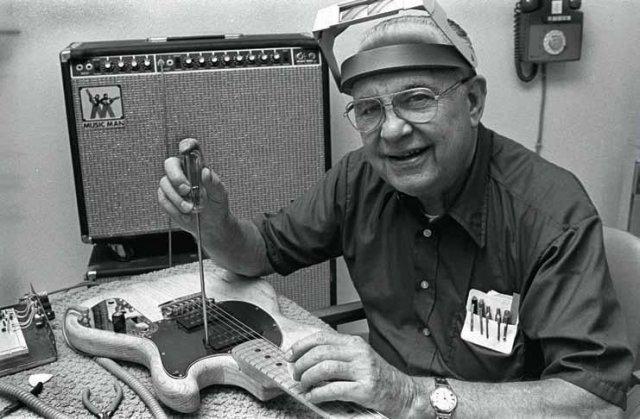 Лео Фендер, создатель гитар Fender, никогда не умел играть на гитаре.