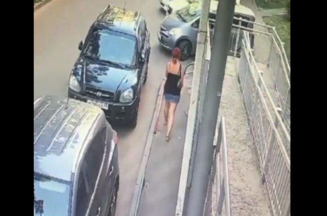 В Краснодаре подростки скинули коктейль Молотова чуть ли не на голову девушке