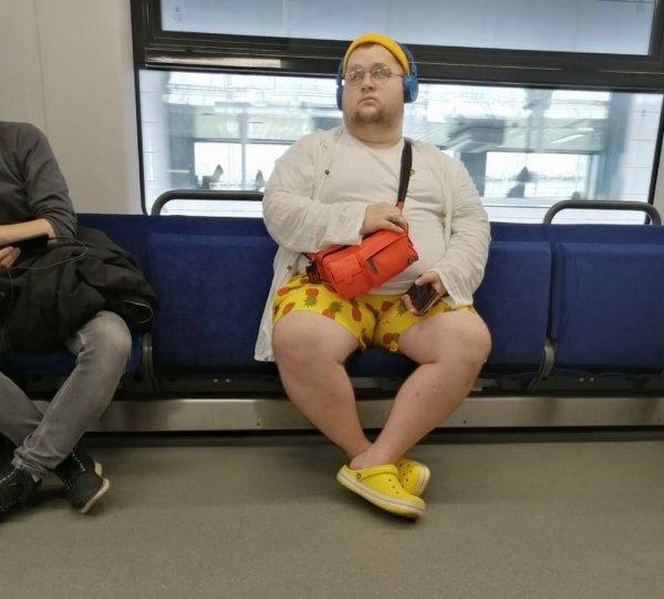 Пухляш в метро