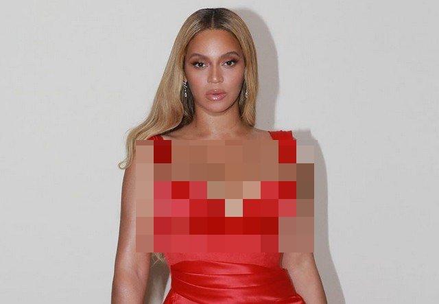 Бейонсе в красном платье