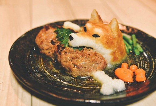 Японская еда в виде Хатико с косточкой