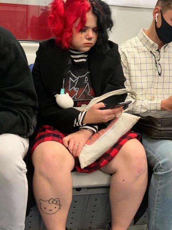 Девушка рокер