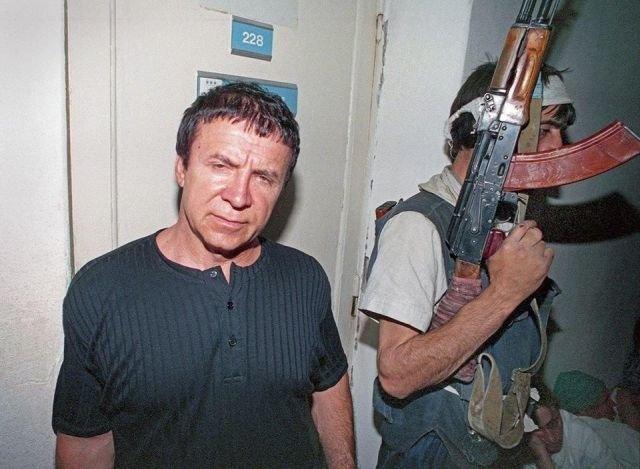 Анатолий Кашпировский в захваченной больнице Будденовска